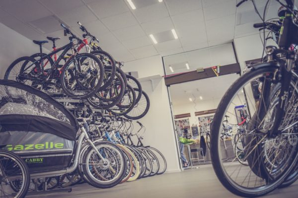 Boutique de vélos ouverte pendant le confinement